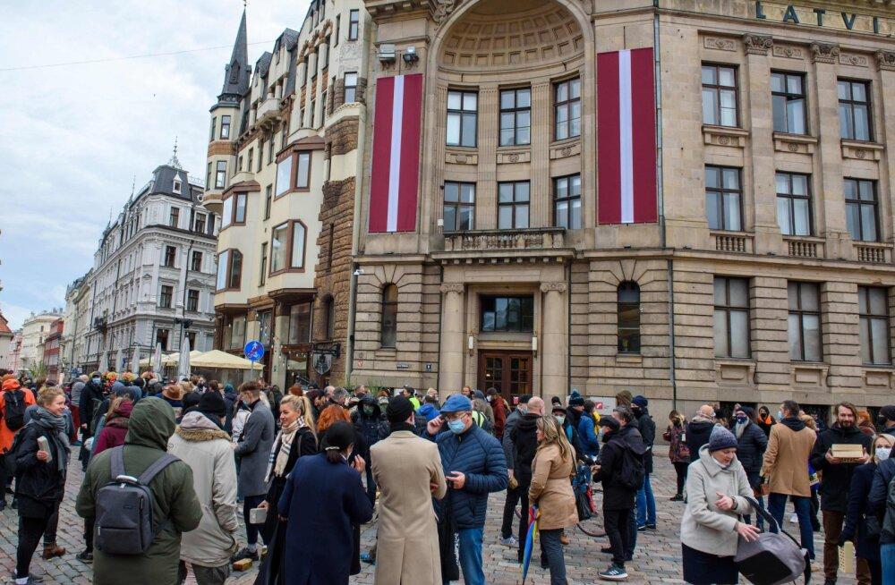 Lätis püstitati uute koroonajuhtumite päevane rekord ja suri alla 35-aastane patsient