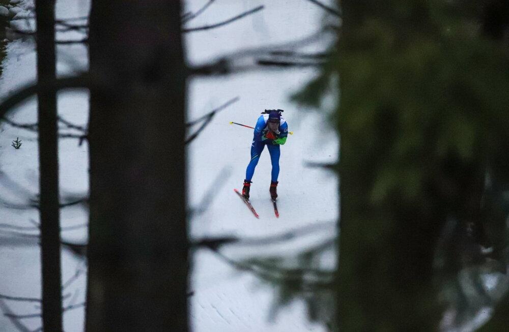 VIDEO | Kalev Ermitsa ja teiste laskesuusatajate valusad kukkumised Oberhofi libedal rajal