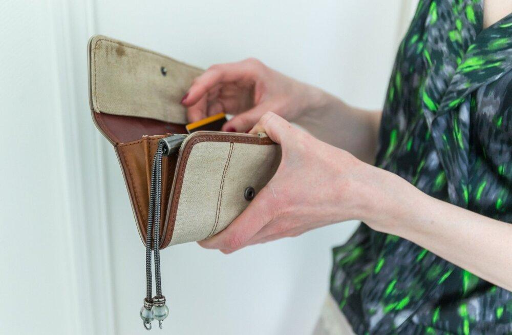 Rahakott saab täiendust veel ühe plastkaardi näol.