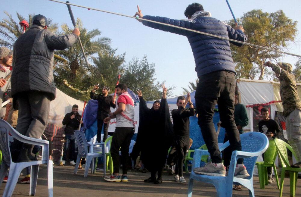 VIDEO | USA välisministri väitel tähistavad iraaklased Iraani kindrali tapmist tänaval tantsides