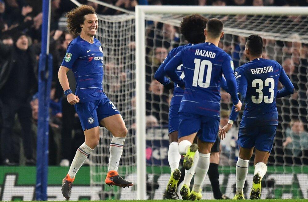 David Luiz ja Chelsea mängijad juubeldavad