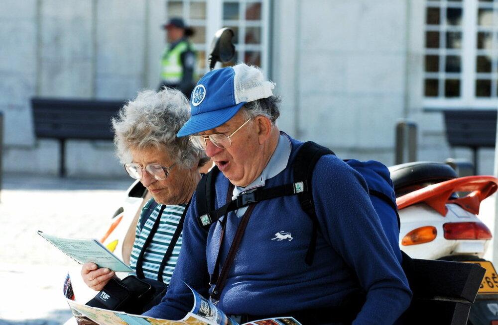 Люди в возрасте путешествуют все чаще. Эстонские пенсионеры предпочитают для отпуска осень