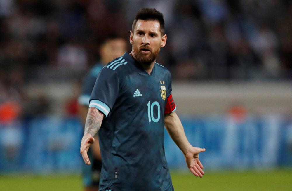 Lionel Messi päästis lisaminuti väravaga Argentinale viigi