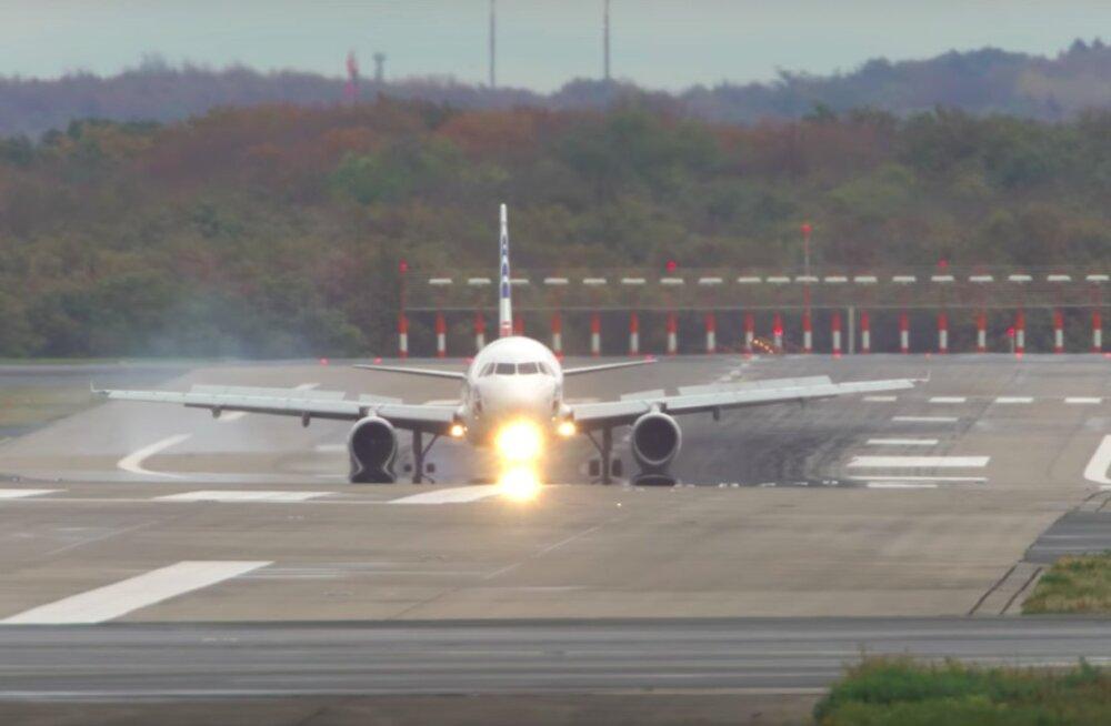 Kõhe VIDEO   Tormine päev Düsseldorfi lennujaamas: vaata keerulisi ülitugeva külgtuulega maandumisi