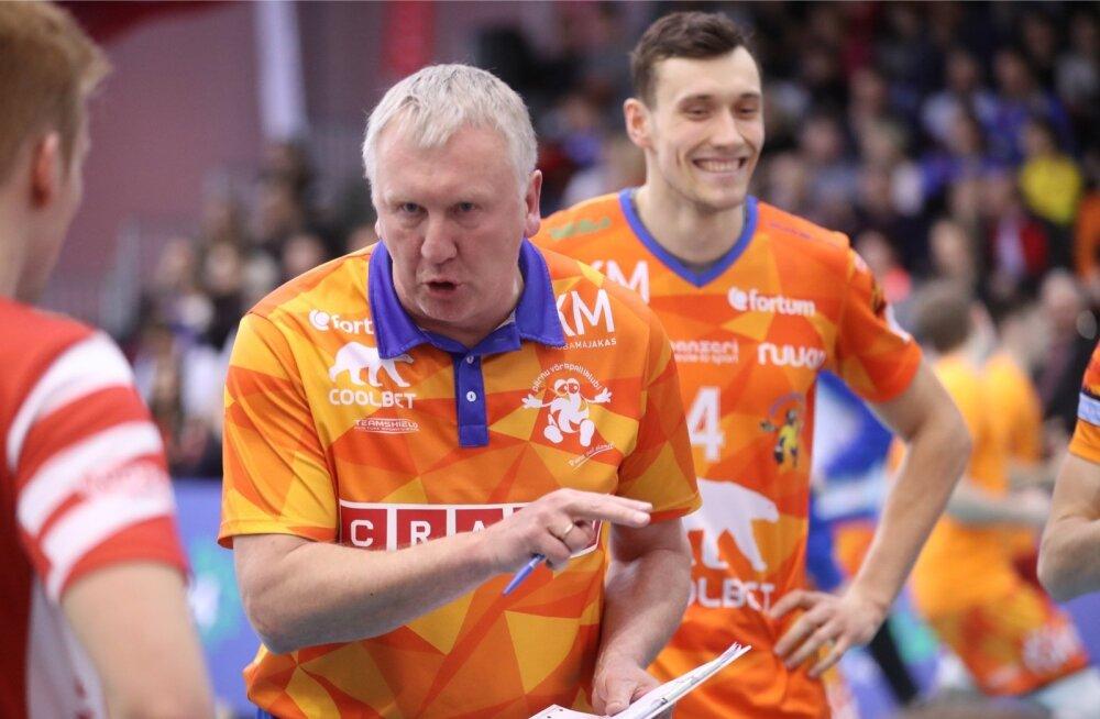 Avo Keel juhendamas Pärnu VK meeskonda
