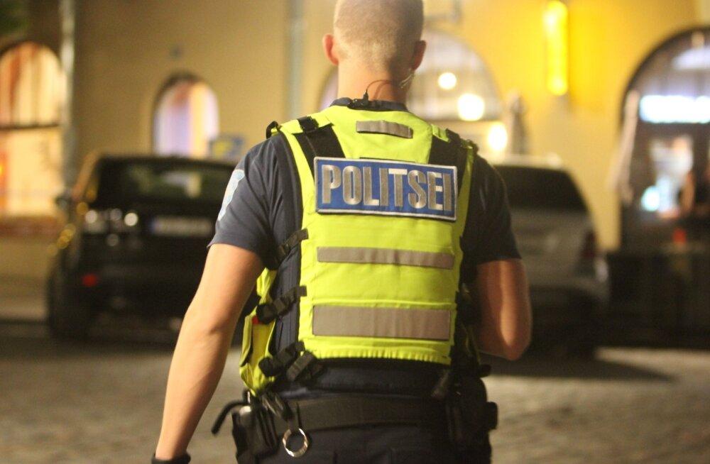 c88b06b8c75 Tartus löödi rüseluse käigus politseinikku - DELFI