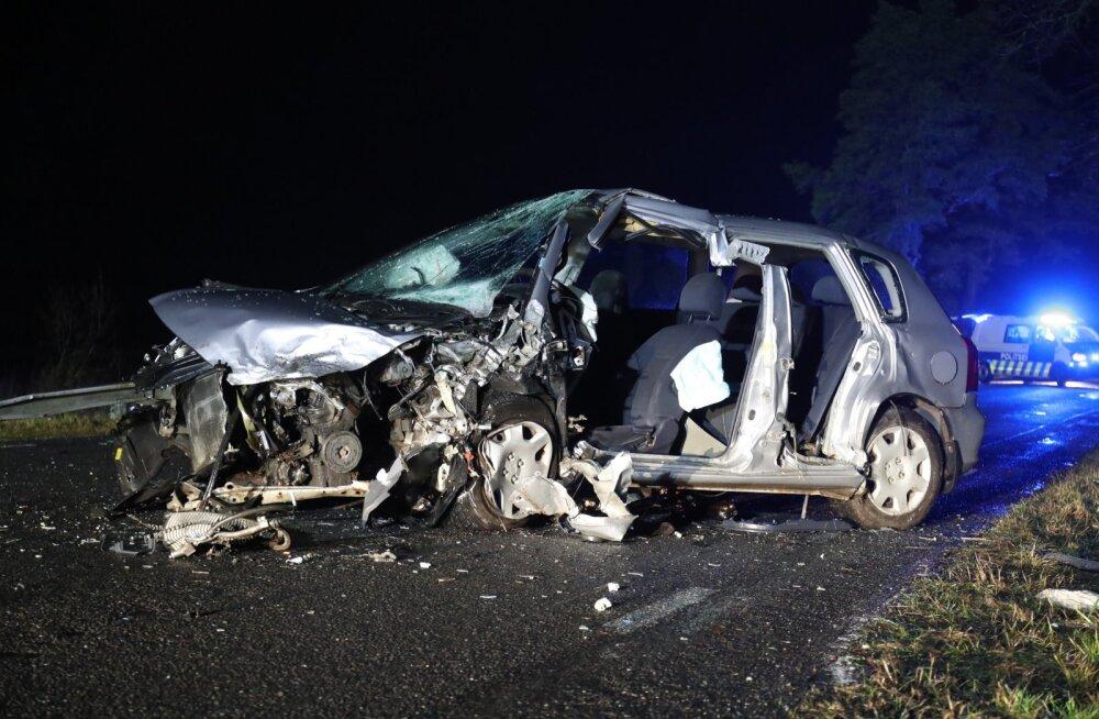Päev liikluses: kaks hukkunut, üheksa vigastatut