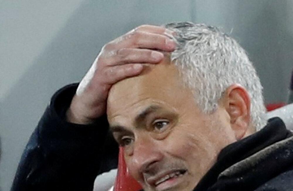 Miks ei ole Manchester United veel Jose Mourinhot vallandanud? Ajakirjanik avaldas pragmaatilise põhjuse