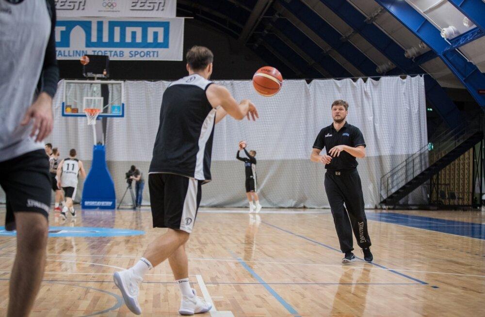 Eesti korvpallikoondise treening, Indrek Visnapuu