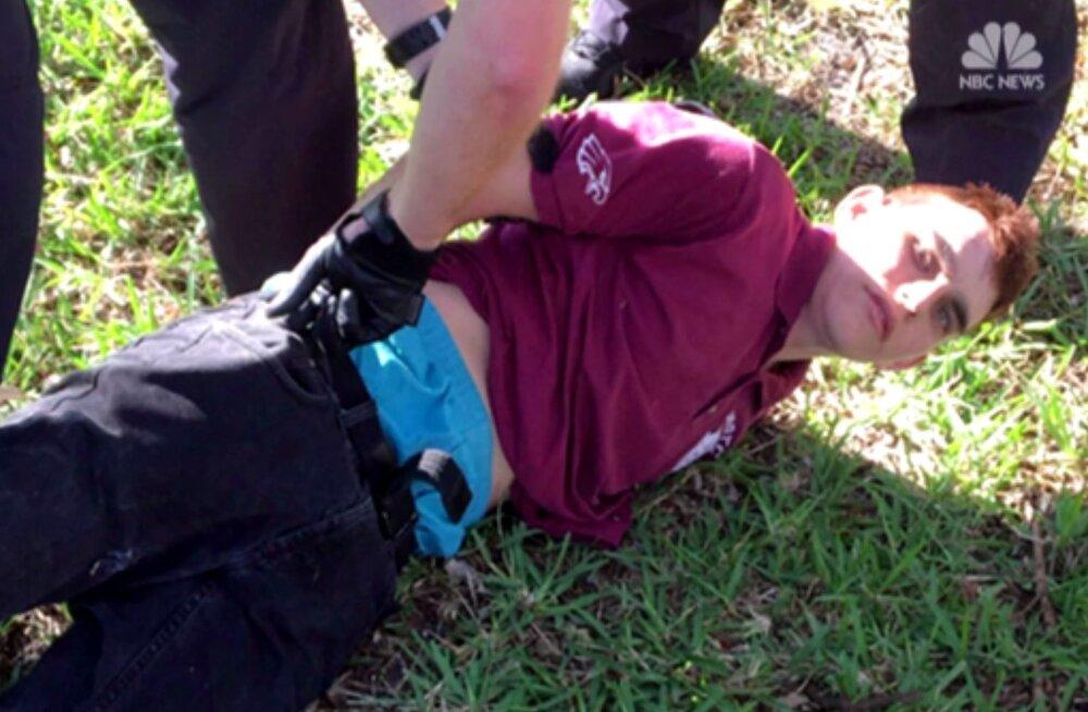 Florida veresauna kahtlusalune YouTube'is: ma kavatsen saada professionaalseks koolitulistajaks
