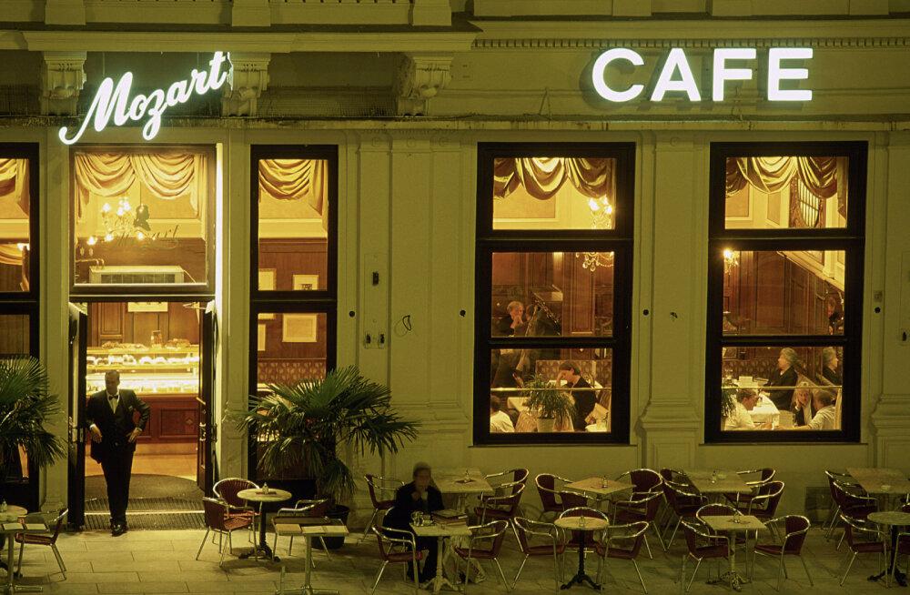 Власти Вены раздадут жителям города ваучеры на посещение кафе и ресторанов