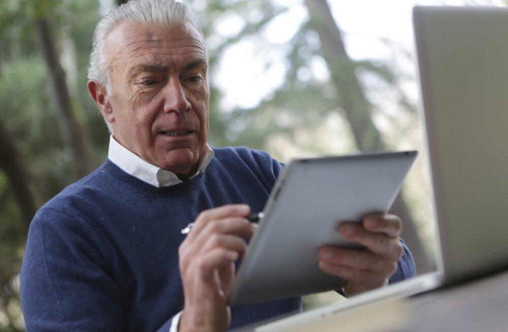 Не теряйте связи с бабушкой и дедушкой: идеи для виртуального общения с пожилыми людьми