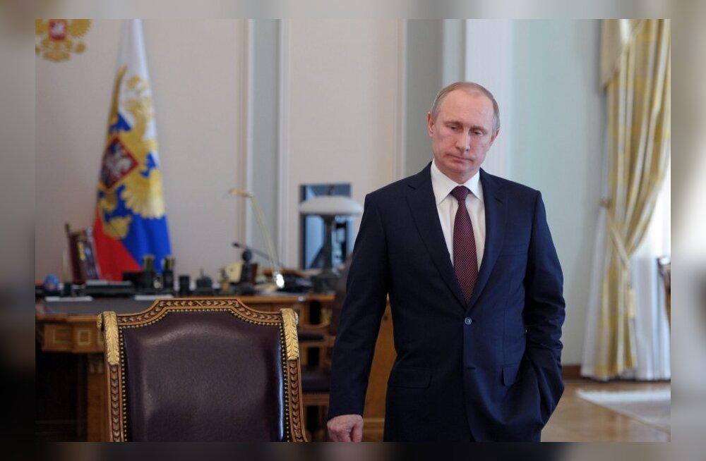 Bloomberg: Putin alustas venelaste kaitsmisega Narva referendumiplaanidele kaasa aidates