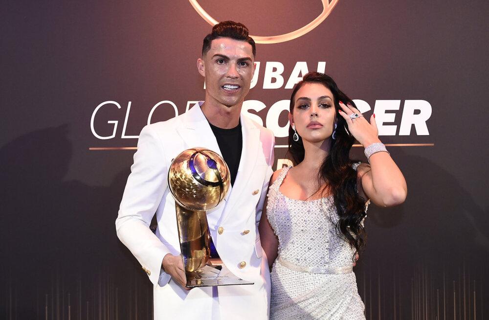 FOTO | Cristiano Ronaldo tüdruksõber vallandas korraga kaks kuulujuttu