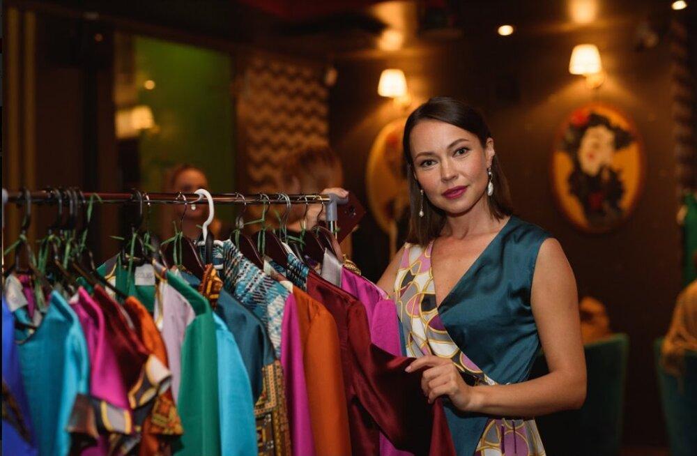 ФОТО | Больше цвета! Новая коллекция уникальных блузок от таллинского дизайнера спасает от осенней хандры