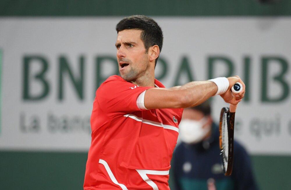 Djokovic pidi Prantsusmaa lahtiste poolfinaalis kaks korda võitma, Nadal pääses kergemalt