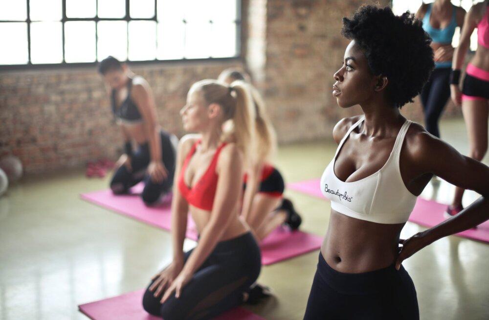 Большинство женщин в мире недовольны размером своей груди