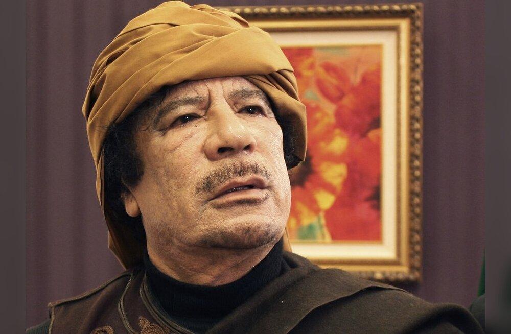 Kuulujutud: Gaddafi põgenes kulla ja sularahaga Nigerisse