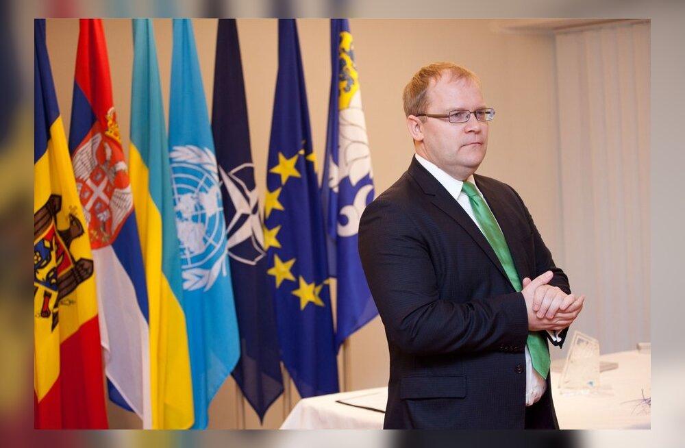 Välisminister Urmas Paet sõidab ELi välisministrite erakorralisele kokkusaamisele