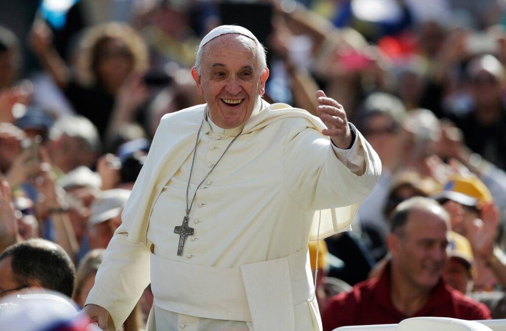 airBaltic будет официальным авиаперевозчиком Папы римского Франциска во время визита в страны Балтии
