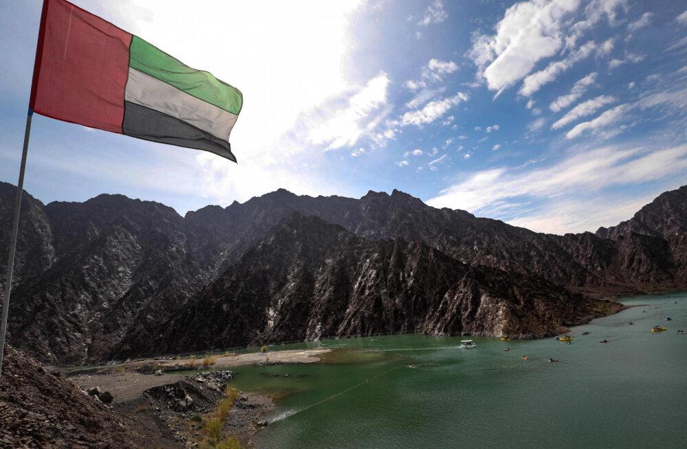 Туристы в Арабских Эмиратах смогут почувствовать себя королями. Только в кемпинге