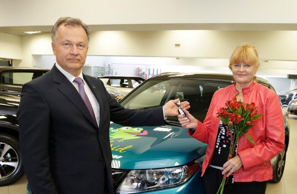 Suvenaabrid 2015 - Suzuki Vitara üleandmine loosivõitjale TopAutos