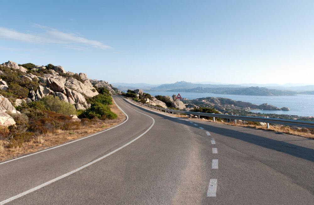 Почему на острове Сардиния туристам запретили пользоваться картами Google?
