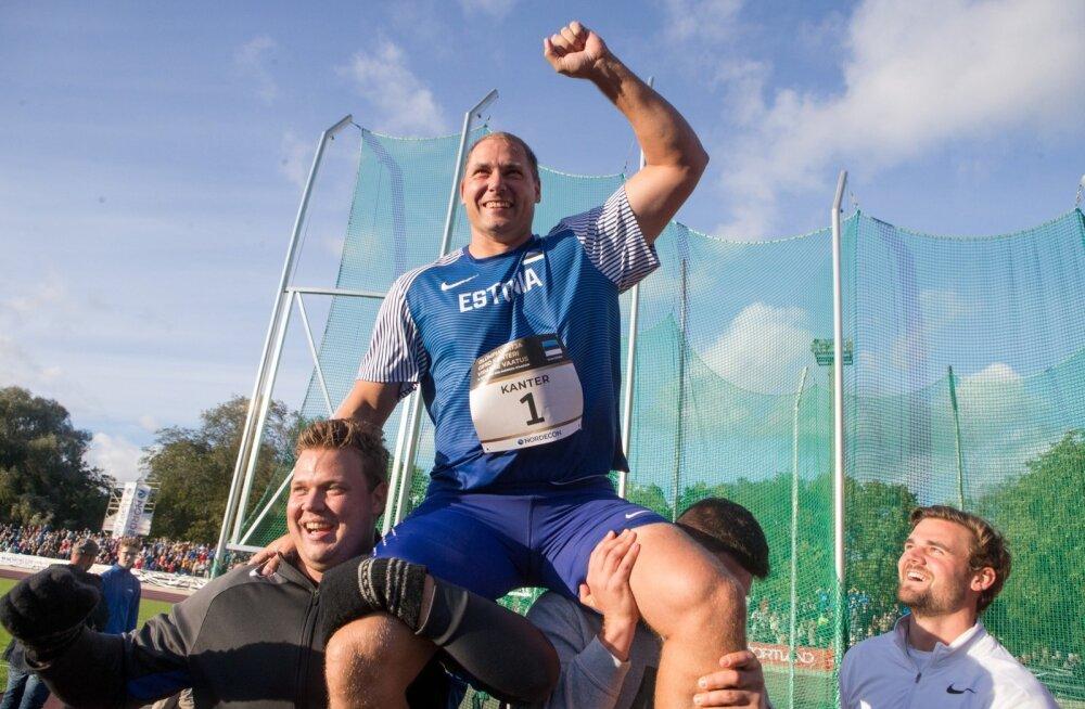 Gerd Kanter (õlgadel) käis 2009. aastal USA-s spetsiaalselt rekordit püüdmas, tänavu tuule abita võimsaid tulemusi teinud Daniel Ståhl (vasakul) pole spetsiaalselt veel rekordit jahtima hakanud.