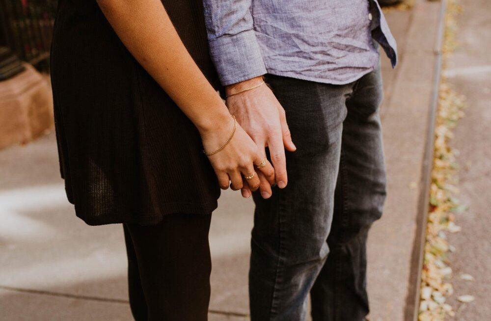 Naine kurdab: ma ei taha armukest, vaid lihtsalt oma mehe tähelepanu
