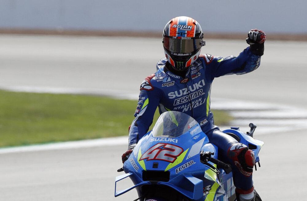MotoGP Silverstone'i etapp lõppes dramaatiliselt, Dovizioso kaotas teadvuse