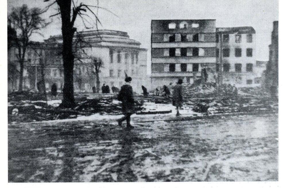 KATKEND RAAMATUST   Tallinn Teises maailmasõjas. Tallinna langemine punaväe kätte septembris 1944, 3. osa