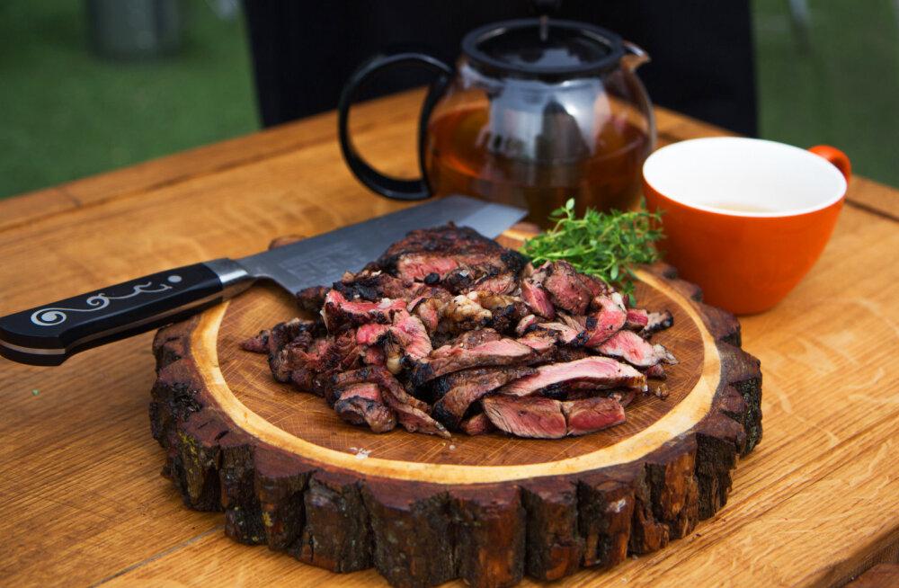 "GRILL SÄRISEMA! Grillmeister Enn Tobrelutsu maailmakuulus ""Dirty Steak"""