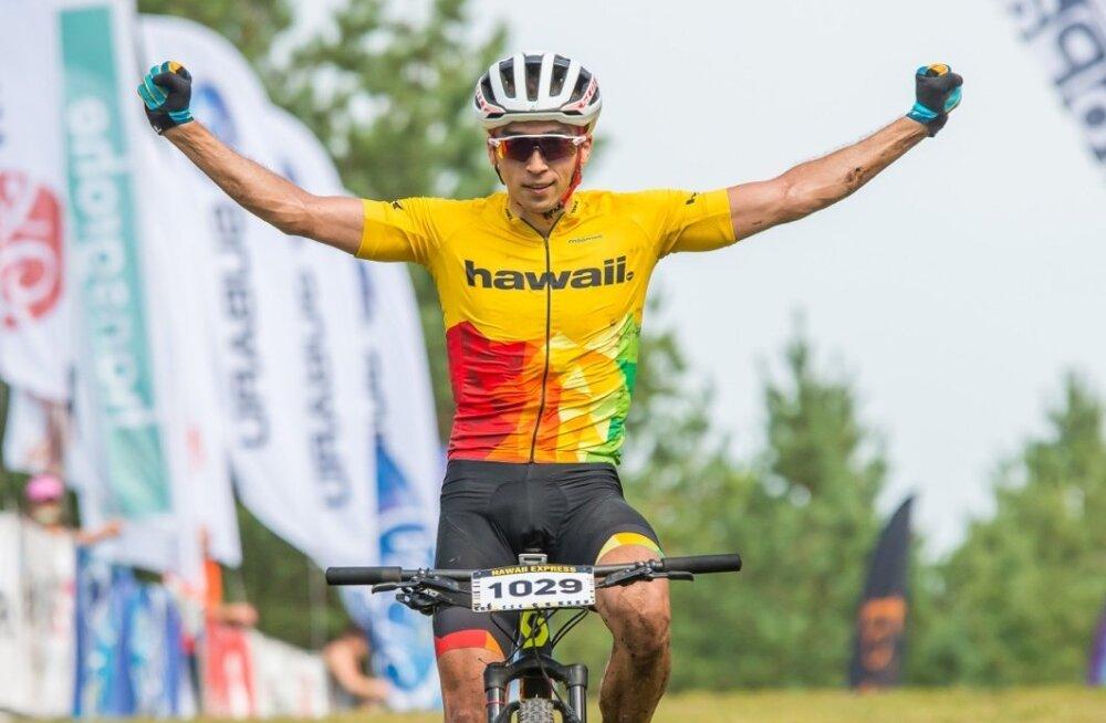Võidukas Martin Loo Lähte rattamaratoni finišis