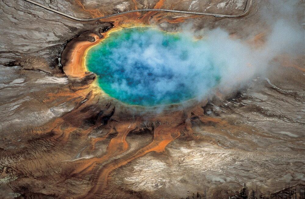 Nagu supleks kuumas maohappes: noormees kukkus USA-s Yellowstone`i rahvuspargis kuumaveeallikasse