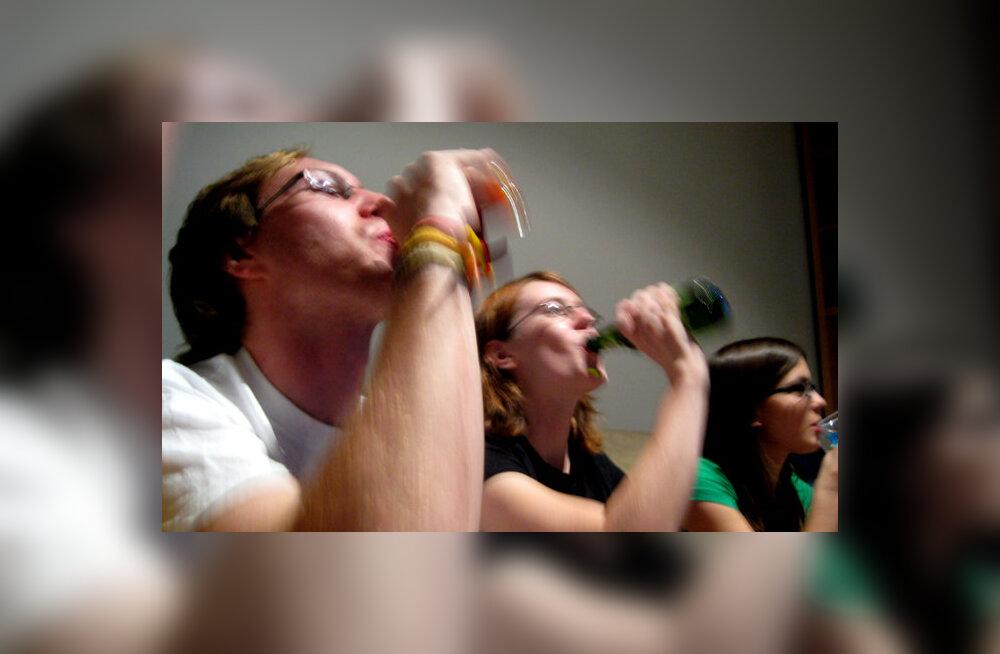 Millal inimkeha omandas üldse võime nii hästi alkoholi taluda? (Ahvidega võrreldes, muidugi)