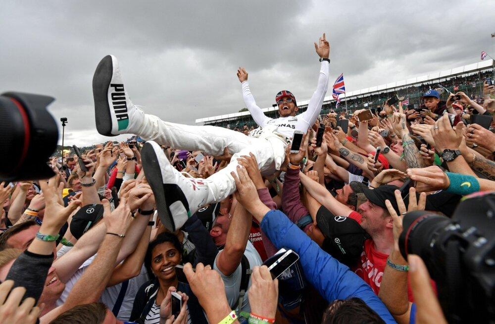 Kodupubliku rõõmuks triumfeeris Silverstone'is juba neljandat korda järjest Lewis Hamilton.