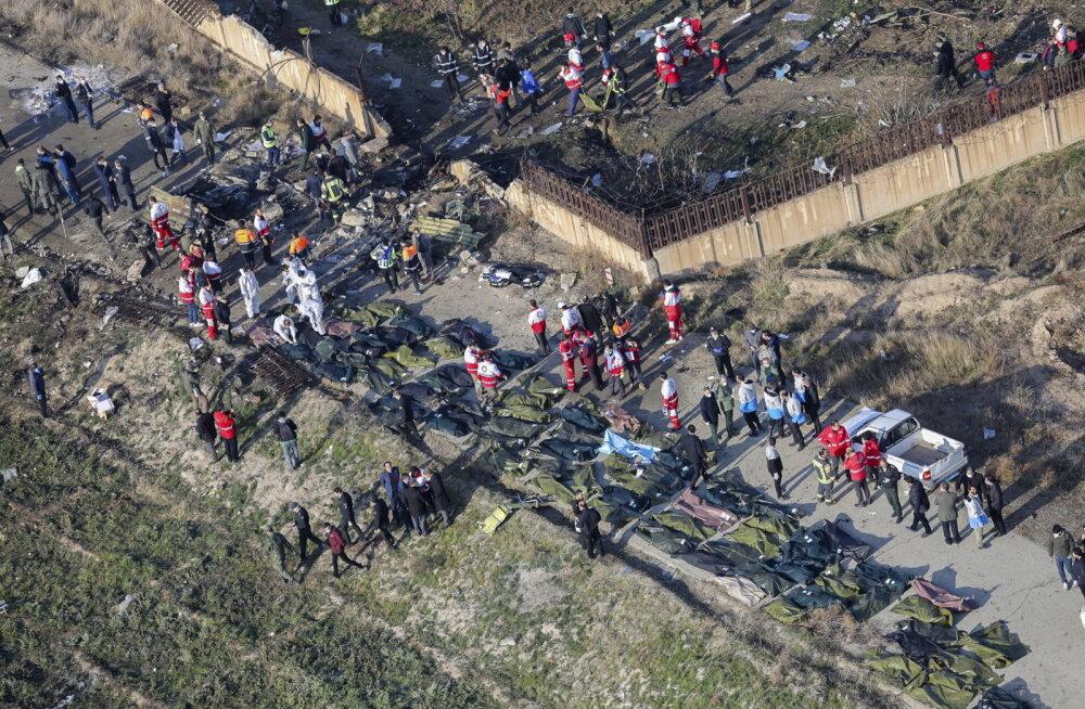 Saatkond teatas algul, et Ukraina reisilennuk kukkus Iraanis alla mootoririkke tõttu, hiljem öeldi, et põhjuseid selgitatakse