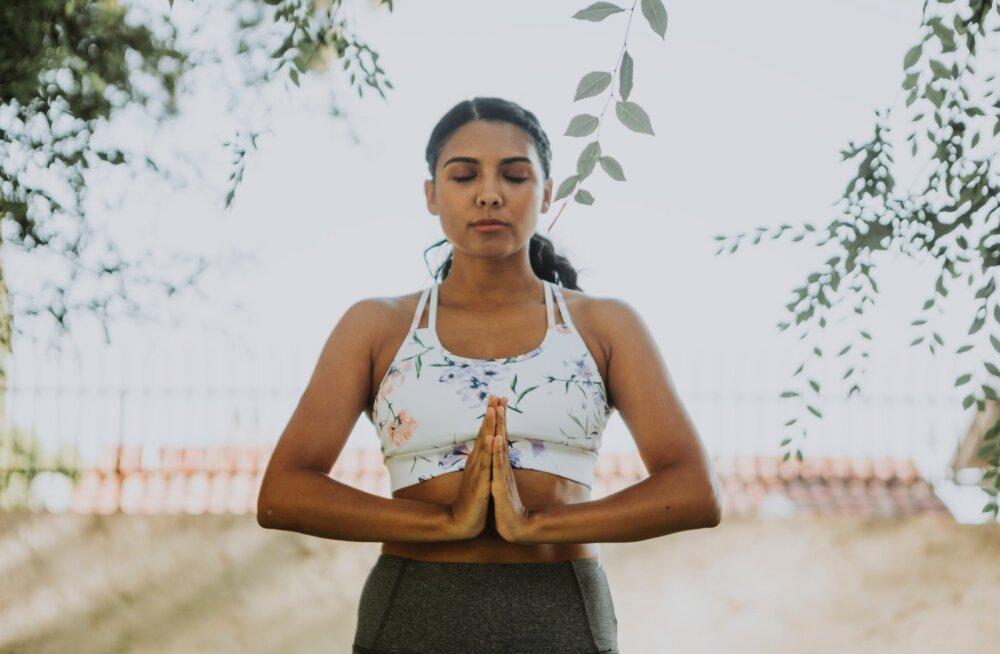 Jooga praktiseerimine võib mõjuda hästi ka seedimisele — kuidas ja miks?