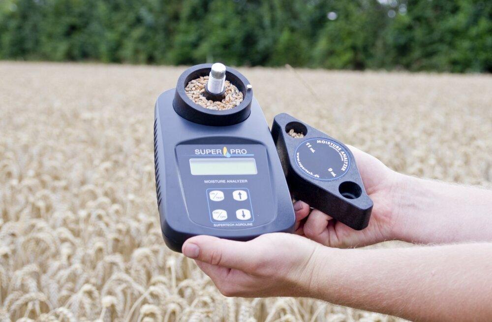 Portatiivne kohvrisse pakitav niiskusemõõtja annab põllumehele indikatiivse näitaja, mida on vaja teravilja käitlemisel teada, aga mis siiski ei ole pädev tulemus kokkuostja juures.