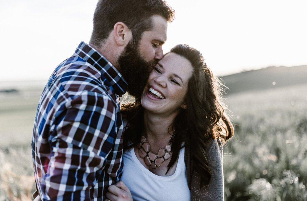 ARMUHOROSKOOP   Sinu sodiaagimärk paljastab, kuidas sa kellessegi armudes käituma hakkad