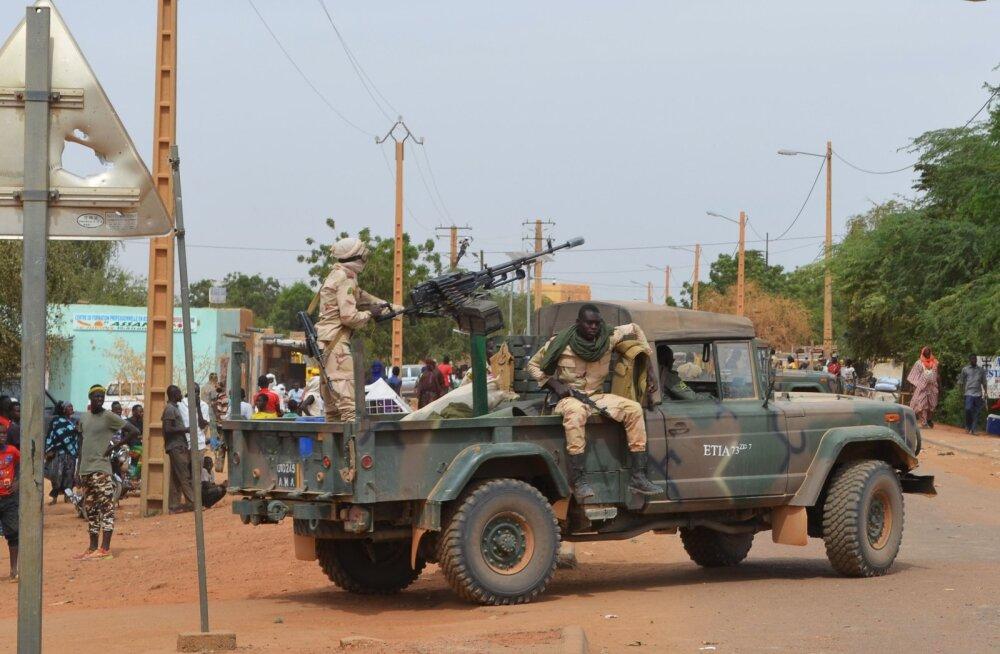 Mali põhjaosas hukkus islamistide rünnakus 53 sõdurit