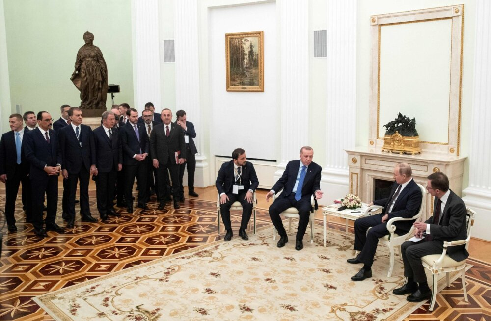 Erdoğanile tuletati Kremlis skulptuuride abil meelde Venemaa võidukaid sõdu Türgi vastu