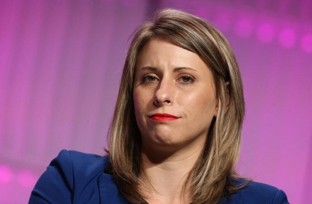 Sobimatus seksuaalsuhtes alluvaga süüdistatud USA kongressi liige astus tagasi