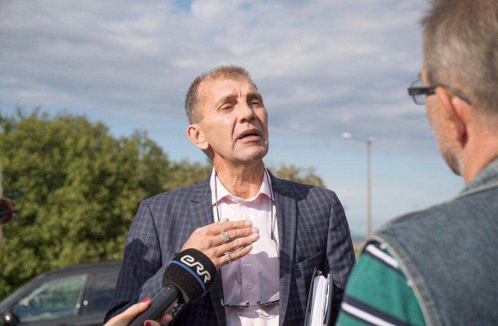 Süüdistus: Märt Sults hääletas linnavolikogus puuduva pinginaabri eest