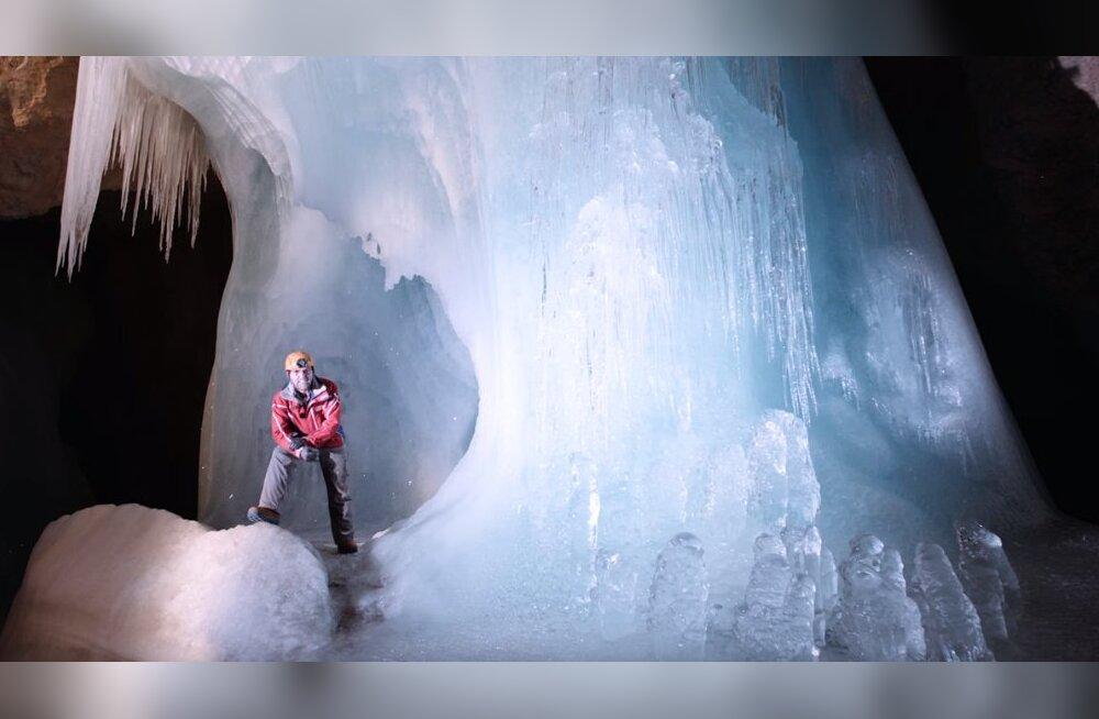 ФОТО: Мир ледяных великанов в Австрии