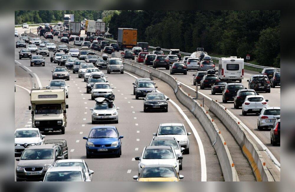 Paavst käskis, Napoleon käskis... Miks liiklus on eri riikides parema- või vasakukäeline?