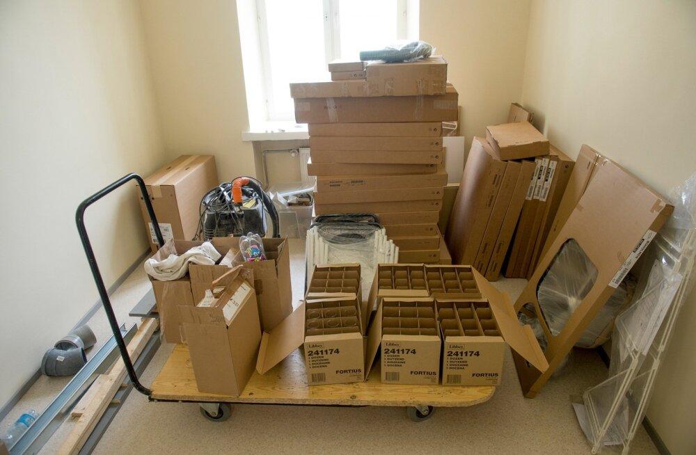 Muhu pagarikoja omanik toodab nüüd ka kärgpapist mööblit