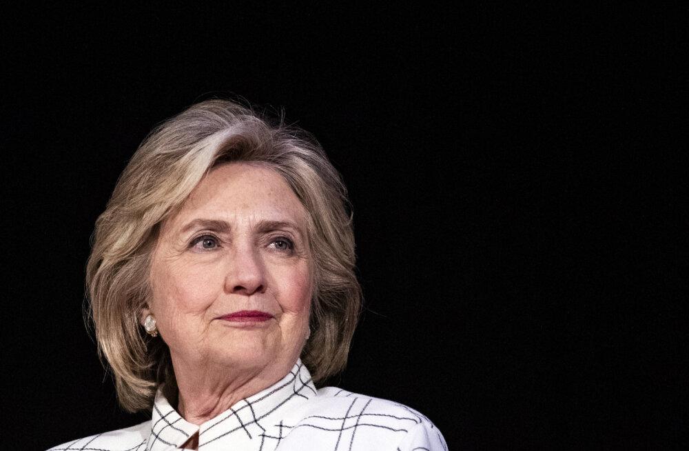 СNN: cамолет с Хиллари Клинтон экстренно сел в Нью-Йорке