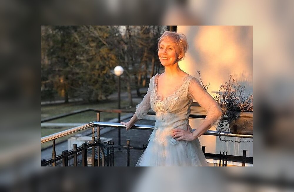 Näitleja Tiina Mälbergi suur juubelipidu pidi taanduma palju väiksemaks: päike särab ikka...