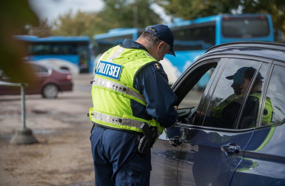 Politseireid roolis nutitelefonide näppijate tabamiseks